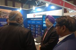 Hardeep Singh Puri, Honourable Minister of State with Independent Charge, Ministry of Housing and Urban Affairs at the IIC technologies booth